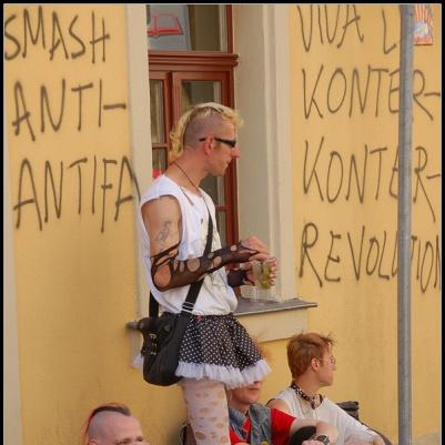 Viva La Konter-Konter-Revolution